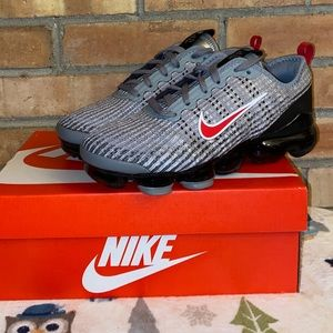 NWT Nike Air VaporMax  Flyknit 3 GS Sneakers